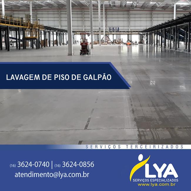 LAVAGEM DE PISO DE GALPÃO
